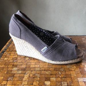 TOMS Canvas upper Slip-on with center elastic gore